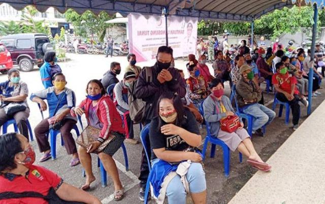 FKPPPN minta potong gaji pejabat untuk bantuan pada rakyat selama pandemi Covid-19. Terlebih, dengan BUMN yang belakangan gaduh soal jabatan dan gaji.