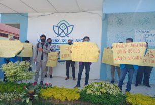 Mahasiswa Jambi Tuntut Presiden Jokowi Copot Jabatan Menteri BUMN