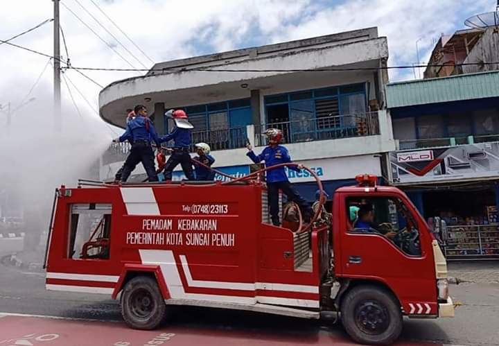 Paripurna DPRD Merangin Bupati sempat berhenti sejenak saat sampaikan tanggapan Damkar. Bupati belanjakan 2 Damkar di APBD-P Merangin