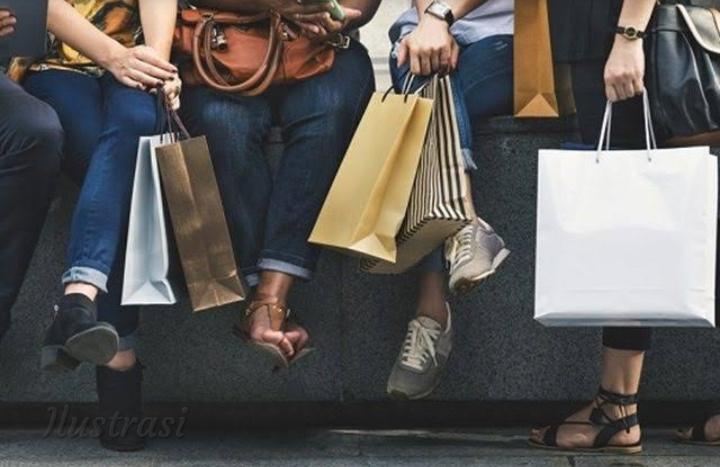 Ekonomi di Indonesia Merosot, Ternyata Karena Orang Kaya Malas Belanja