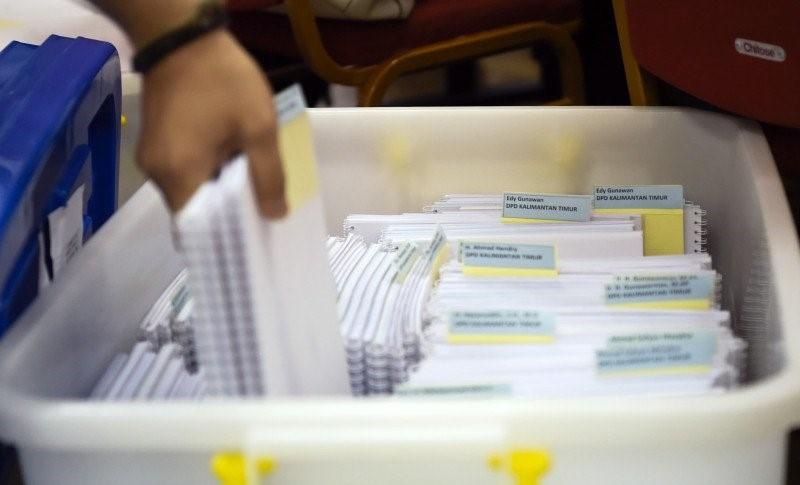 Kerawanan Pendaftaran Pilgub Jambi SYARAT formal administrasi menjadi titik krusial menuju gelanggang pemilihan kepala daerah, lobi ke partai