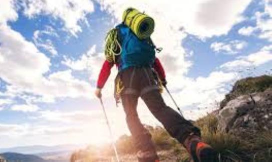 Viral, Pemuda Ini Habiskan 12 Juta Untuk Peralatan Naik Gunung