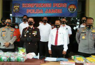 Buang 2 Tas Dalam Kebun Sawit, 5 Orang Ini Diamankan Polisi di Muaro Jambi