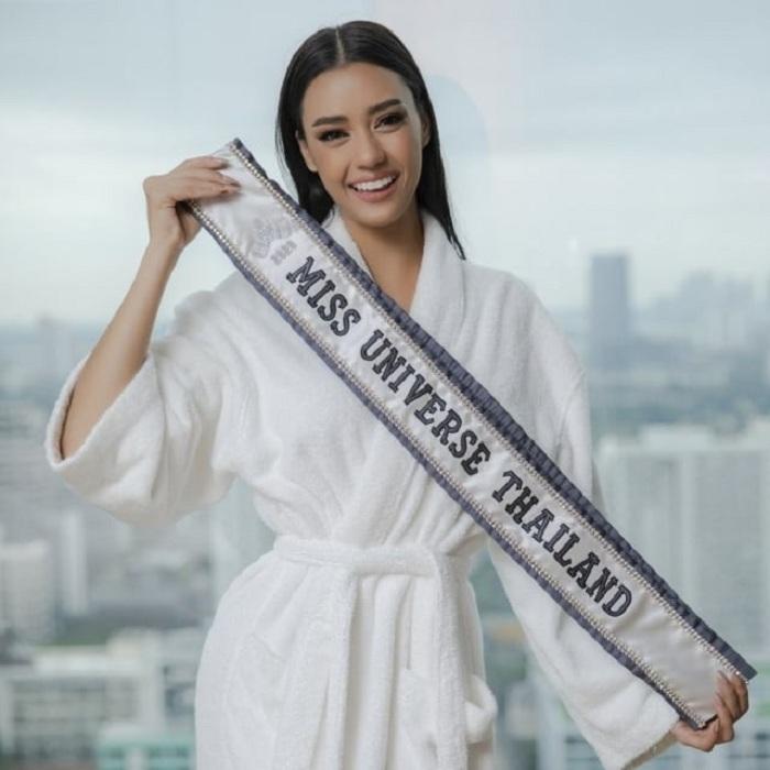 Miss Universe Thailand Pro Terhadap Para Demonstran