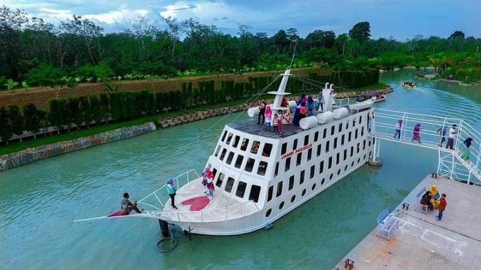 BERITA PARIWISATA - Pada masa libur panjang seperti ini, Salah satu caranya adalah dengan mengunjungi objek wisata yang ada di Kota Jambi.