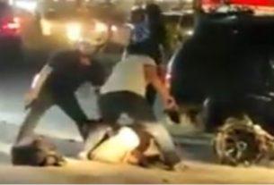 Sebuah video di media sosial bikin heboh Warganet. Betapa tidak, di dalam nya tampak seorang perwira dikejar hingga ditembak polisi di jalanan.