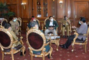 Pjs Gubernur Jambi, Ir.Restuardy (Ardy) Daud,M.Sc minta saran dari IDI Wilayah Jambi, guna memperkuat penanganan Covid-19 di Provinsi Jambi, Selasa (13/10/2020).