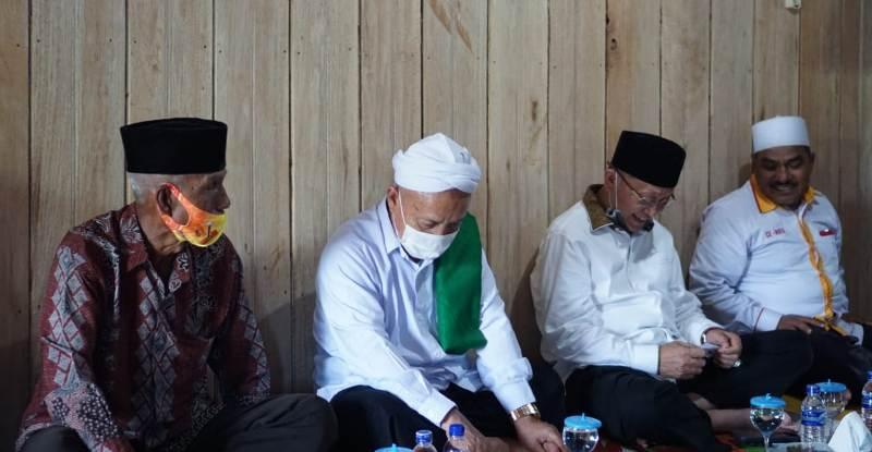 CE prihatin karena banyaknya akses Desa belum terhubung, di Desa Durian Mukut, Kecamatan Lembah Masurai, Kabupaten Merangin.