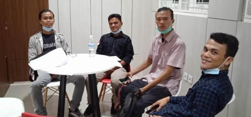 Bak penjahat kelas kakap, itulah yang dikatakan Juanson Ambarita seorang mahasiswa yang dibawa ke Mapolda Jambi pada Jum'at (30/10/2020).