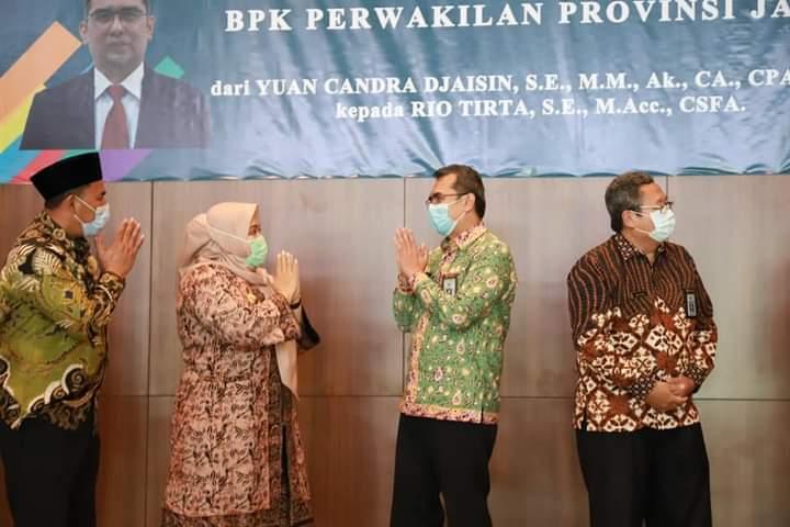 Bupati Muaro Jambi, Masnah Busro, menghadiri Sertijab Kepala BPK RI perwakilan Provinsi Jambi, Kamis (26/11/2020).