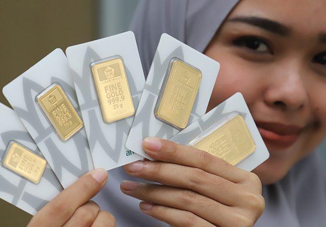 Beberapa hari yang lalu, harga emas di Provinsi Jambi sempat terjun bebas. Berikutnya, harga kembali stagnan, apalagi produk UBS. Lalu bagaimana dengan harga Emas di pegadaian hari ini, Senin (30/11/2020)