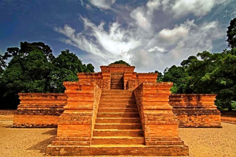 Peradaban Percandian Muaro Jambi mulai terungkap. LIDAR pertama kalinya digunakan arkelog Indonesia dan dipakai untuk Candi Muaro Jambi.