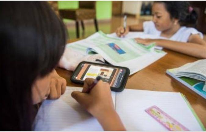BERITA NASIONAL - Sejauh ini, sudah ada 3 siswa menjadi korban meninggal dunia akibat belajar online. Di antaranya berusia 8 tahun, hingga 16 tahun.
