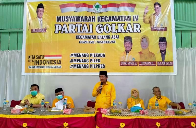 Ketua DPD II Partai Golkar secara resmi membuka Musyawarah Kecamatan (Muscam) Kecamatan Batang Asai yang bertepatan di Hall Pasar Gerabak.