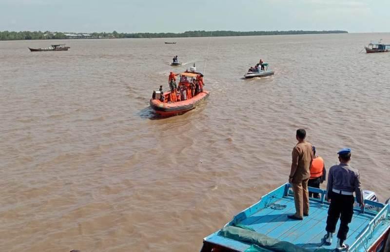 Untuk menghadapi Cuaca La Nina, Polres Tanjabbar menghimbau kepada para nelayan dan pengguna tranportasi agar lebih waspada.