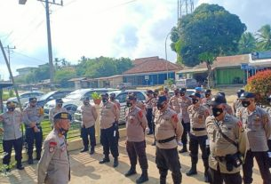 Kawal ketat di Tiap TPS yang ada di Kabupaten Muaro Jambi, Polres setempat turunkan sebanyak 495 Personil. Hal ini untuk pengamanan tiap TPS, di seluruh kecamatan.