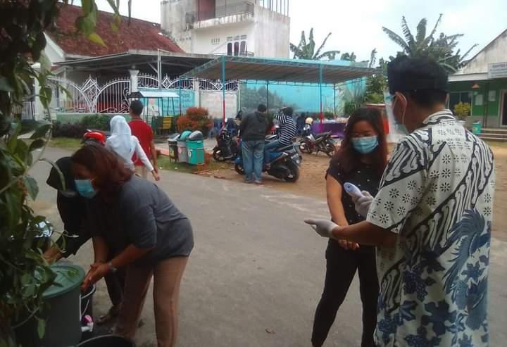 Tepat di hari ini, Rabu (9/12/2020) masyarakat di Provinsi Jambi, menggelar Pesta demokrasi Pilgub Jambi tentunya. Mengingat masih di masa Pandemi, begini kondisi pemilihan TPS di Kota Jambi.