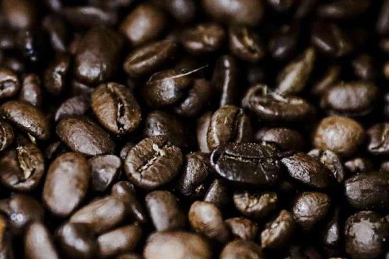 BERITA NASIONAL - Demi menjajakan barang haramnya. Kal ini, modus yang di pakai adalah dengan kopi yang di oplos dengan narkoba jenis ganja.