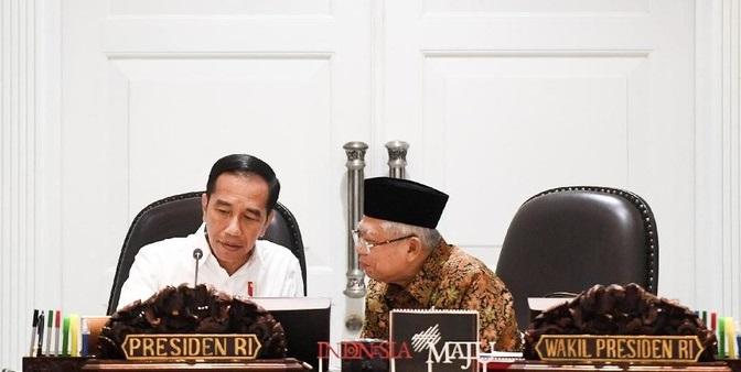 Presiden Jokowi resmi mengumumkan pergantian susunan kabinetnya, Selasa (22/12/2020). Tri Rismaharini dan Sandiaga Uno serta Budi Gunadi Sadikin kini masuk dalam jajaran menteri.