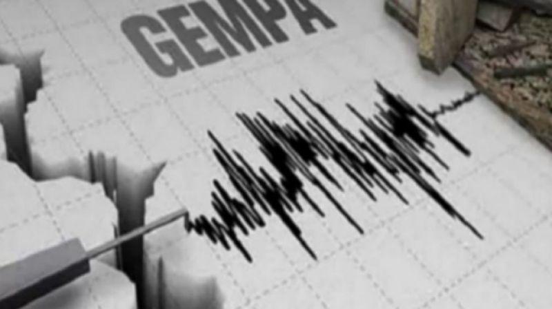 Usai di guncang gempa awal Januari 2020, hari ini, Kamis (21/01/21) gempa magnitudo 7,1 Sr guncang Sulut. Informasi yang di himpun, warga berhamburan keluar rumah.