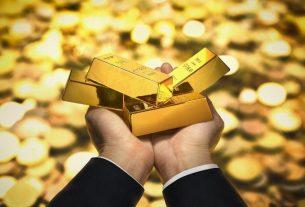 Memasuki awal tahun baru 2021, harga emas makin meroket. Hal ini terlihat dari, perbedaan harga emas jelang akhir tahun lalu.