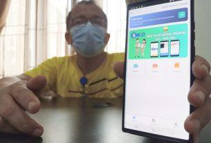 Keren, Jum'at (08/01/21) Absensi online pegawai Pemkab Muaro Jambi mulai menggunakan aplikasi berbasis Android. Di mana, para ASN maupun tenaga kontrak ada di monitor. Yang nakal, bakal di beri sanksi, hingga potong tunjangan atau TPP.
