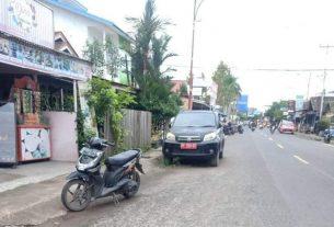 Mobil kendaraan dinas milik Pemkab Tanjabbar, dengan Nopol BH 1094 EZ jenis Terios warna hitam, tertonggok di pinggir jalan hingga berbulan bulan oleh penggunanya.