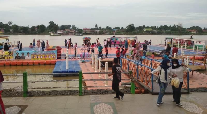 Setelah sempat mengalami sepi hingga tutup pada beberapa waktu lalu, saat ini Kawasan Wisata Danau Sipin telah mulai ramai di kunjungi