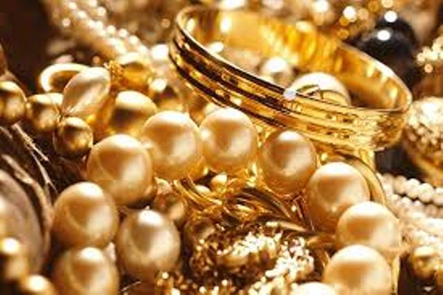 Harga emas di Pegadaian memasuki pekan ke empat Januari 2021, alami penurunan dari hari sebelumnya baik emas produksi Antam maupun Produksi UBS juga sama halnya. Lalu, bagaimana dengan harga emas di kota Jambi sendiri?