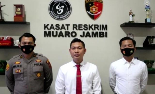 TIM Tipidter dan Tim Rajawali Sat Reskrim Polres Muaro Jambi, kembali menangkap 3 pelaku BBM ilegal ( Ilegal Drilling), yang beraksi di kawasan Mestong. Minggu (03/01/2021).