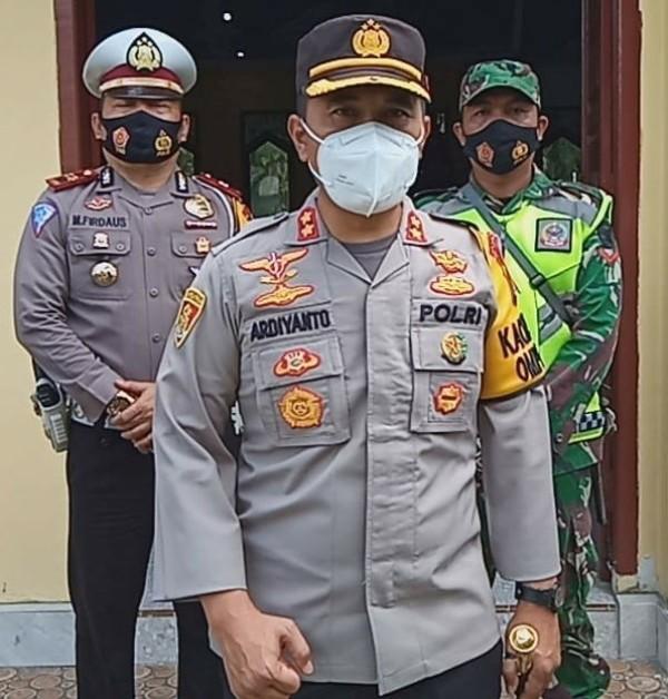 Seperti yang di katakan oleh Kapolres Muaro Jambi, AKBP Ardiyanto mengatakan bahwa pihaknya siap kawal pendistribusian Vaksin Sinovac tersebut