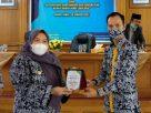 Tanpa mengenal lelah, setelah acara Syukuran di Senaung, Bupati Masnah lanjutkan hadiri acara pelantikan Badan Pengurus Cabang Himpunan Pengusaha Muda Indonesia (BPC HIPMI) Muaro Jambi Periode 2020-2023, Rabu (20/01/2021), di ruang Pola Rumah Kantor Bupati Muaro Jambi.