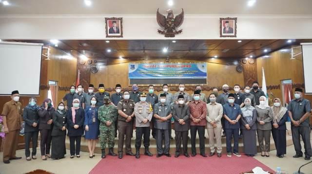 Dewan Perwakilan Rakyat Daerah (DPRD) Kabupaten Tanjabbar, melaksanakan Rapat Paripurna, pengumuman hasil penetapan Komisi Pemilihan Umum(KPU) Calon Bupati dan Wakil Bupati terpilih, Kamis (28/01/2021).