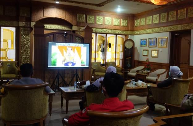 Antisipasi Kebakaran Hutan dan Lahan terus di lakukan. Pengendalian Karhutla 2021, Senin (22/2/2021) siang Bupati Video Confrence (Vidcon) dengan Presiden RI, Joko Widodo.