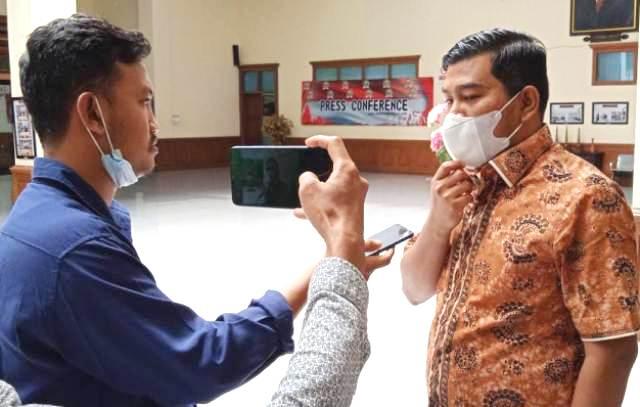 Sebelumnya di ketahui Lembaga Survey Indonesia (LSI) yang di rilis pada 22 Februari 2022, Partai Gerindra duduki peringkat kedua nasional, sebagai partai yang di minati masyarakat. Hasil LSI dari Partai Gerindra inipun di tanggapi langsung oleh Rocky Candra, Wakil Ketua DPRD Provinsi Jambi.