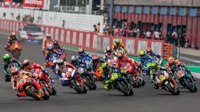 Para pecinta balapan pasti rindu dengan Race yang satu ini, kabarnya Jadwal MotoGP 2021 bakal mulai di gelar pada pekan ini, apakah Sirkuit Indonesia di pakai? Berikut ulasannya.