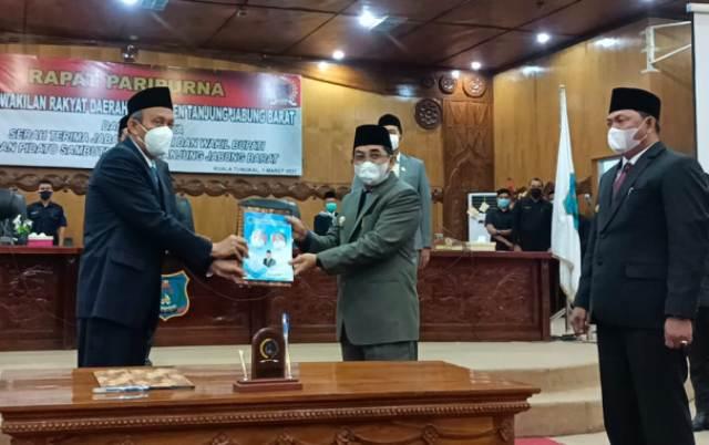 Dewan Perwakilan Rakyat Daerah (DPRD) Tanjung Jabung Barat (Tanjabbar) menggelar Rapat paripurna, dalam rangka serah terima jabatan bupati dan wakil bupati, Senin (1/3/21).