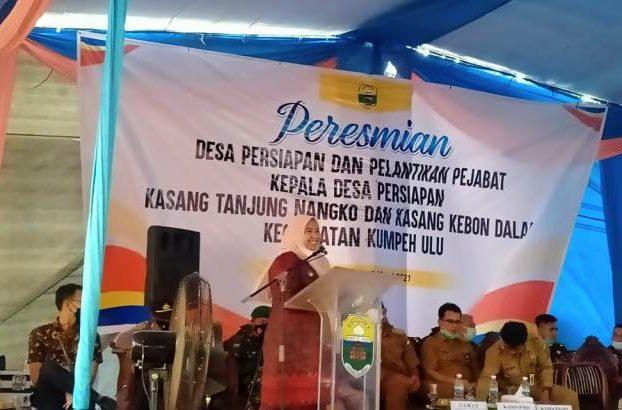Terus melakukan perkembangan di wilayah yang di pimpinnya, kali ini Bupati Masnah resmikan 2 desa sekaligus di Kecamatan Kumpeh Ulu, Senin (08/03/2021).