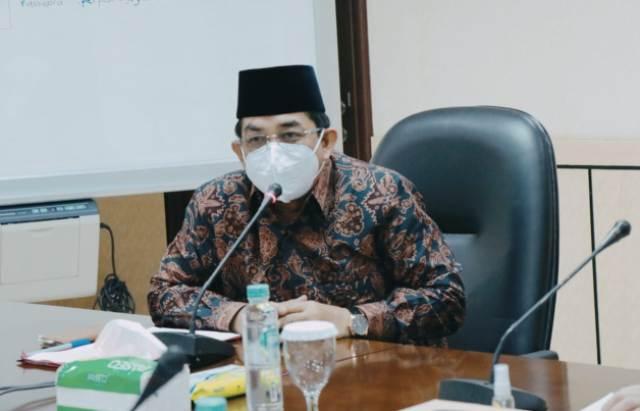 Pemerintah Kabupaten Tanjung Jabung Barat (Tanjabbar), di bawah pimpinan Bupati H Anwar Sadat, akan membuat gebrakan dengan luncurkan sebuah program, untuk membantu para guru ngaji, agama, Imam dan juga Bilal.