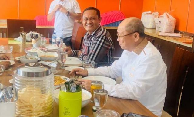 Ramai beredar di sosial media masyarakat Jambi, 17 Maret merupakan hari lahirnya Bupati Sarolangun sekaligus Ketua DPD Golkar Provinsi Jambi. Pun tak terkecuali, Joni Ismed turut berikan ucapan untuk Cek Endra.