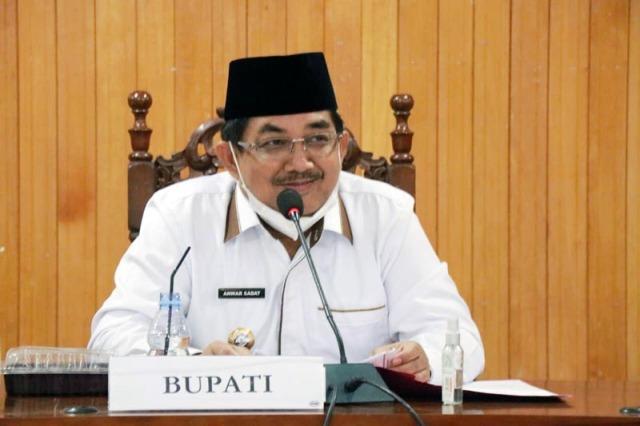 Bupati Drs H Anwar Sadat MAg, memimpin rapat bersama pihak PT PLN Persero. Hal ini terkait dengan, 19 Desa yang akan masuk aliran listrik di Kabupaten Tanjung Jabung Barat (Tanjabbar), Rabu (17/03/21).