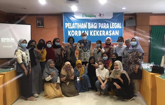 Pelatihan Paralegal, Bagi Pendamping Korban Kekerasan Oleh Beranda Perempuan. Masalah kekerasan terhadap perempuan seperti, kekerasan seksual