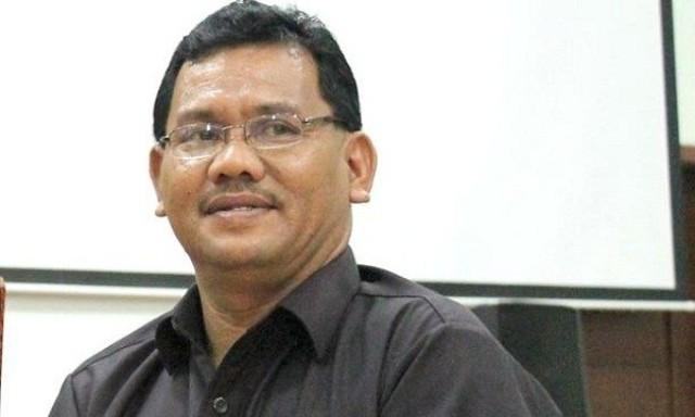 Dengan kabar terbaru untuk pemilihan kepala dan wakil kepala daerah (Pilkada) yang di tunda menjadi tahun 2024 sebelumnya di tetapkan tahun 2022, seorang Akademisi As'ad Isma beri tanggapan.