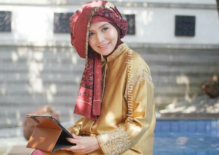 Hari Kartini memiliki makna tersendiri bagi perempuan Indonesia, Salah satunya Ratu Munawaroh, istri mantan Gubernur Jambi Alm Zulkifili Nurdin.