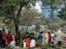 Jelang datangnya bulan suci Ramadhan, Minggu (11/04/2021) warga di Jambi tampak padati TPU untuk melakukan Do'a dan ziarah ke Kubur kerabat dan keluarganya yang sudah meninggal dunia. Hal ini pun, sudah menjadi tradisi masyarakat, khususnya umat muslim yang di Indonesia.