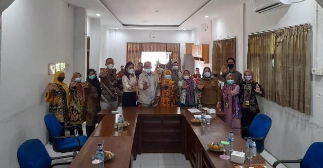 Gelar pelatihan kader, Sub Repeicent (SR) Komunitas Eliminasi Tuberculosis undang Sekretaris Komisi IV dan Dinas Kesehatan Kota Jambi. Hal ini guna membentuk keterampilan para Kader, dalam mengurangi angka Pengidap TB, Selasa (06/04/2021).