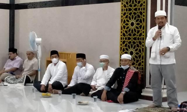 Memasuki Hari ke sembilan puasa Bulan Ramadhan 1442 Hijriah, Ketua DPRD Sarolangun Tontawi Jauhari melaksanakan kegiatan Safari Ramadhan. Acara ini di laksanakan, di Masjid Baiturrahman Desa Pasar Singkut.