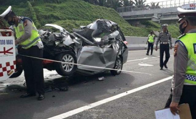 Baru-baru ini peristiwa menggemparkan kembali terjadi, di mana kali ini oknum Pegawai Negeri Sipil (PNS) menyebabkan 2 orang tewas ditabrak oleh mobil yang di kendarainya.