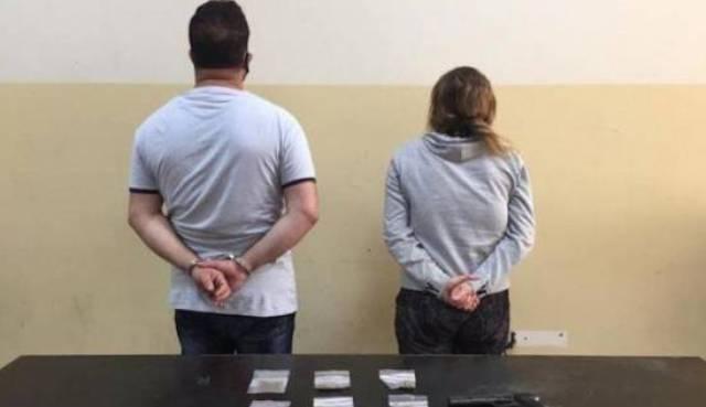Entah apa yang merasuki wanita ini, di aseorang istri bersama selingkuhan atau kekasih gelapnya, tega jebak suaminya hingga diamankan polisi. Padahal, sang suami tidak bersalah sama sekali.