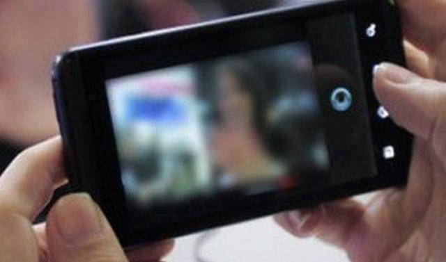 Baru-baru ini, public kembali digegerkan dengan video asusila siswi SMP yang viral di jejaring sosial, atau aplikasi chat WhatsApp yang diperankan lebih dari satu orang laik-laki.